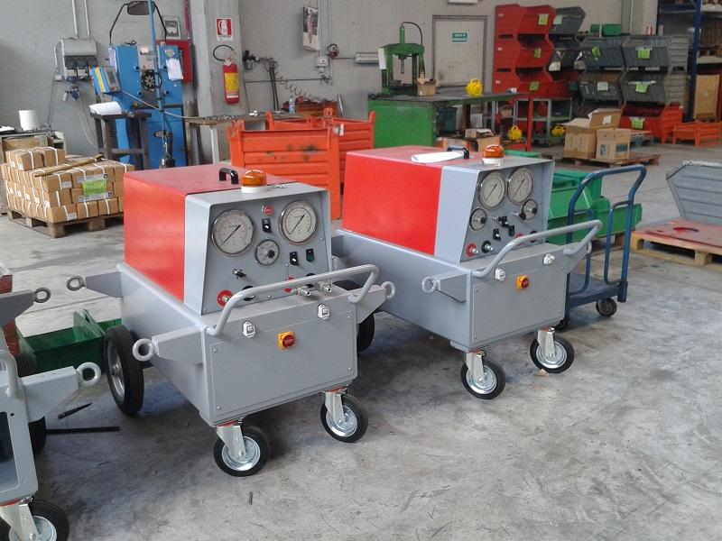 Принцип работы гидравлического домкрата на производстве ЖБИ